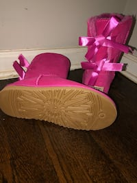 Uggs pink size 7