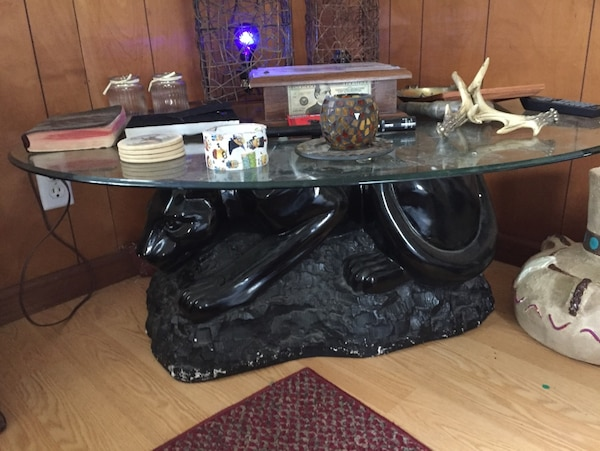 Black Panther Stand Glass Top Oval Table 80