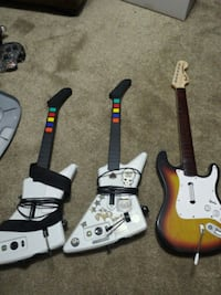 two Guitar Hero guitar controllers St. Catharines, L2R 3M2