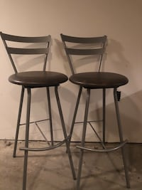 2 Tall Gray Metal Table Top Bar Swivel Kitchen Chairs