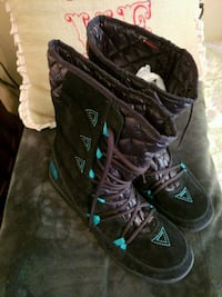 Ladies Size 11 NORTH FACE BOOTS