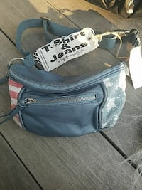 New blue  fanny pack College Park