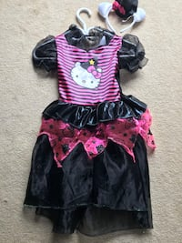 Girls hello kitty witch costume size 6-7 Courtice, L1E 3A4
