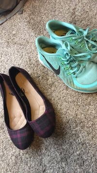 pair of gray-and-blue Nike running shoes Martinsburg, 25403