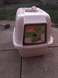Enclosed large litter box Brampton, L6V 3N4