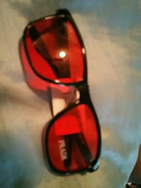red and black framed sunglasses Toronto, M6L 3C4