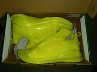 WOMENS PUMA SHOES $30.00 o.b.o. Toronto, M4Y 2P3