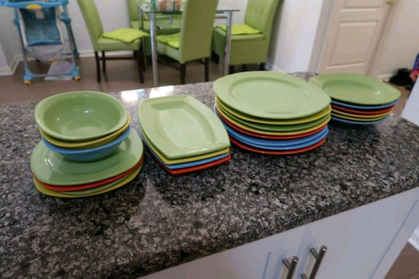 Colorful Dining Set (29 pieces)