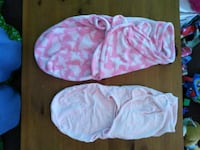 2 baby girl fold in smugglers and two pink bassine Red Lion, 17356