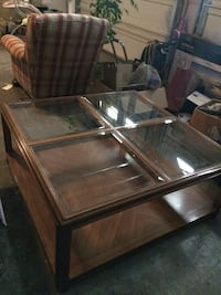 Short table with glass top Midland, 79703