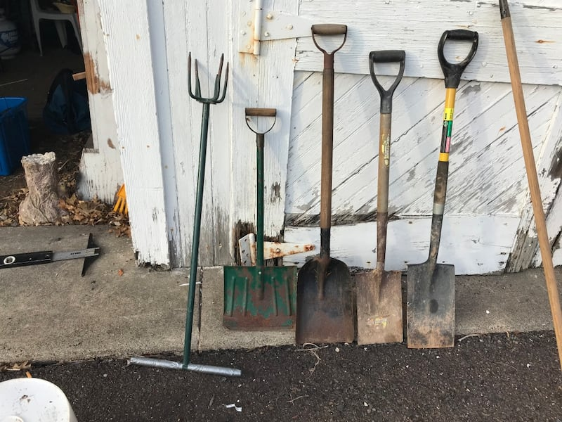Sold Shovels Garden Tools Used Good Condition 25 Cash In