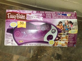 Easy Bake Oven- With Manual & baking Acessories