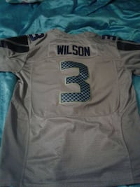 gray and black Wilson 3 jersey shirt