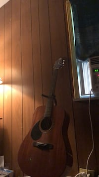 Guitar with stand bought for 500 good condition barely used West Mifflin, 15122