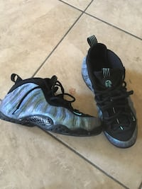 Pair of black-and-gray nike foamposite Washington, 20019