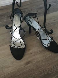 BCBG size 9 like new women's evening shoes Brampton, L6P 2R1
