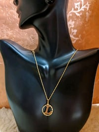 "18karat yellow gold ""L"" necklace Beltsville, 20705"