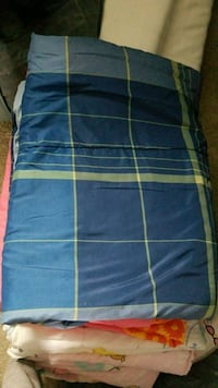 Twin plaid comforter Frederick
