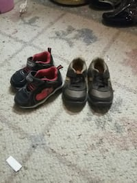 2 pair of black-and-gray sneakers for boy Springfield