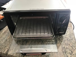 Toaster oven by Hamilton beach almost like new