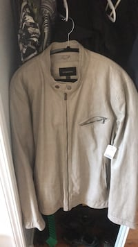 Mens Le Chateau White zip-up jacket New Westminster, V3M 6C9