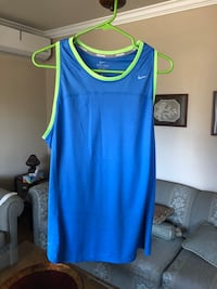 Nike tank top worn once size XL  Laval, H7S 1Y3