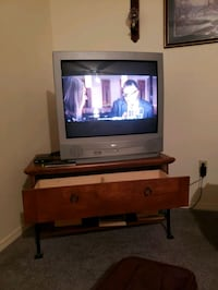 TV and stand must go asap Sapulpa, 74066