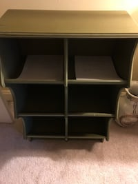 Cubbies type furniture piece Annapolis, 21401