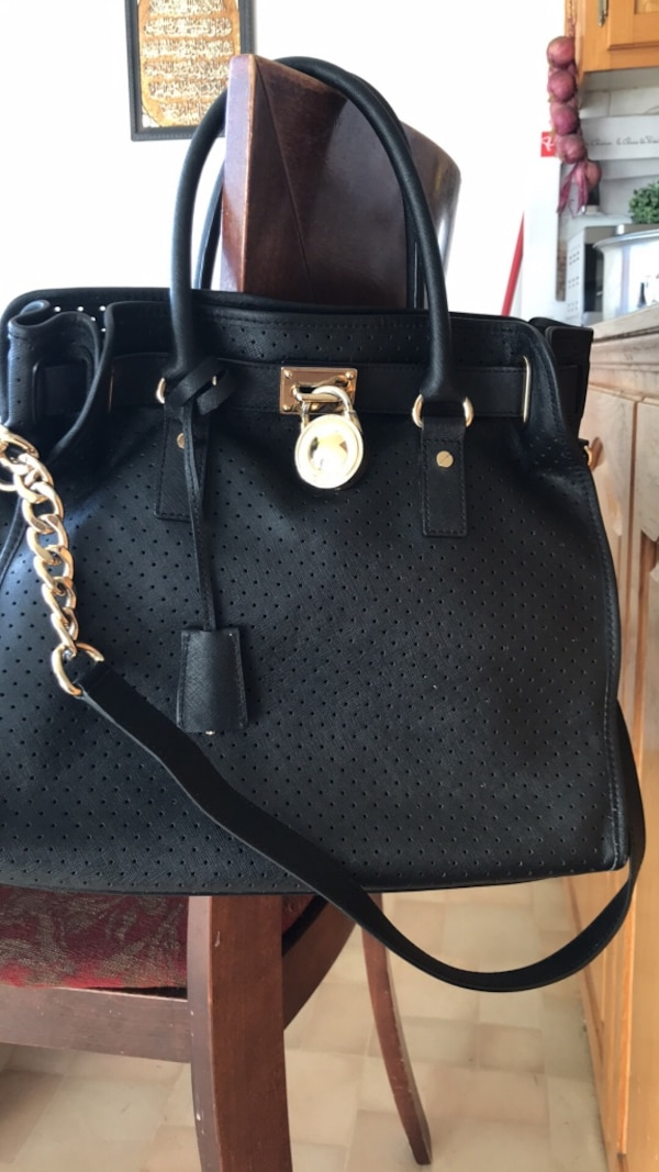 b72b049074c86a Used Authentic mk deal for sale in Mont-Royal - letgo