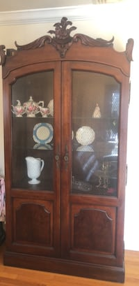 Negotiable Beautiful Lighted Antique China Cabinet Alpine, 07620