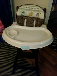 baby's white and brown high chair Ottawa, K1Y