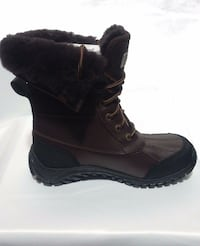 New Authentic Women Ugg Boots (sz9) Providence