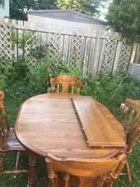 Dining table with 4 chairs Brantford, N3R 6T2