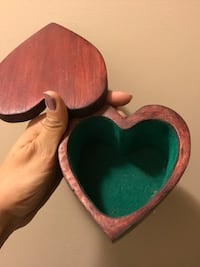 Heart wooden jewelry box