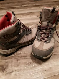 HH Hikers mint condition  Canmore, T1W 3J8