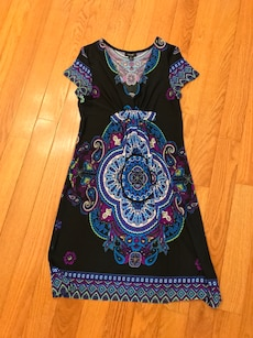 Women's Casual Dress SZ Medium/Large
