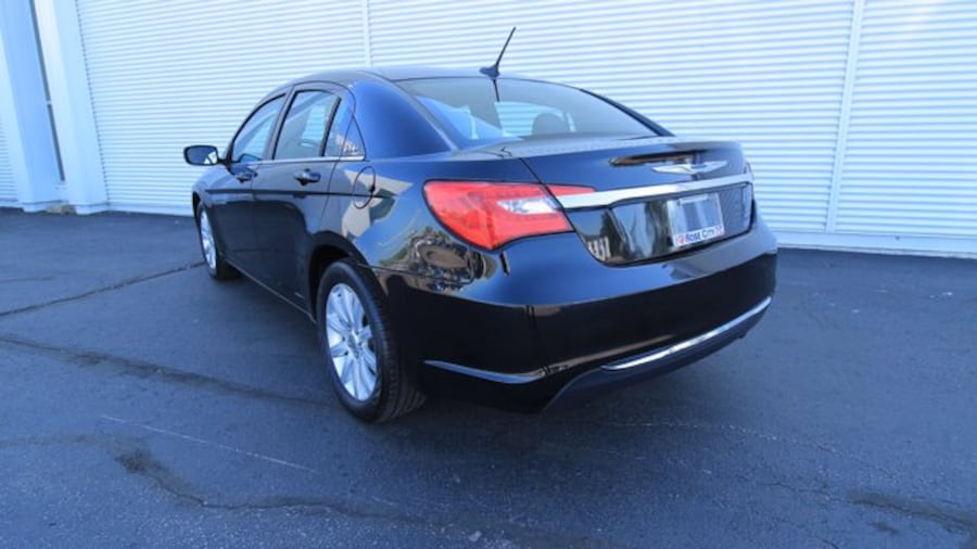 2014 Chrysler 200 Touring / ACCIDENT FREE / HEATED SEATS / REMOTE ST 7e8261c1-c227-4ba2-b571-7f2bb62ced80