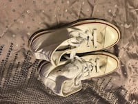 Women's size 8 high top converse  Vancleave, 39565