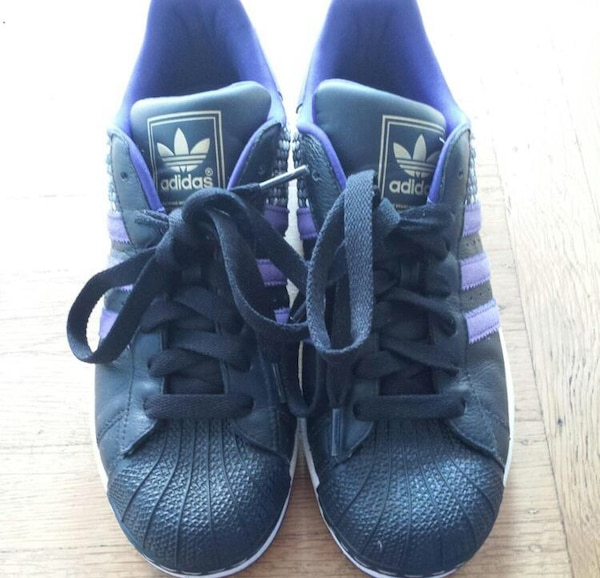 e9f5cc463cfb10 Used Adidas Superstar SZ 9 for sale in Richmond - letgo