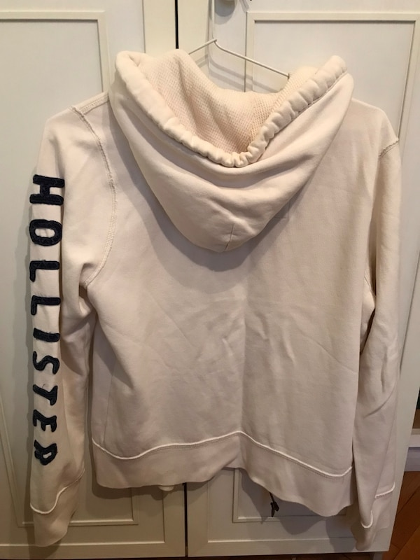 Hollister zip-up hoodie 3