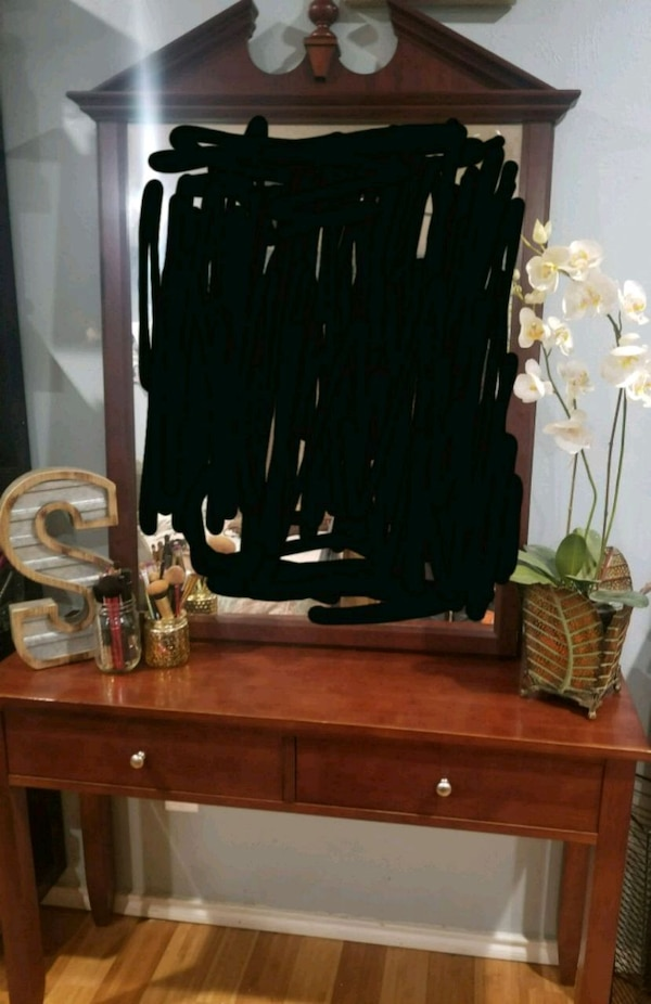 4b37d2fafcd25d Used Vanity  entryway table for sale in Lewisville - letgo