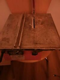 Tile saw with blade