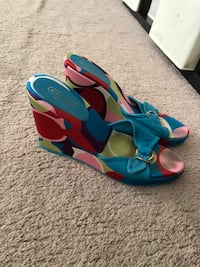 Coach Wedges Middletown, 21769