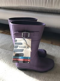Brand new Kamik rubber boots size 5 Vaughan, L4H 2S8