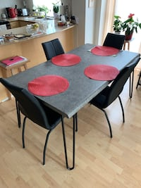 Rectangle table and 4 leather chairs  Brampton, L6X 1R2