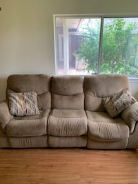 Couch recliner Oklahoma City, 73107