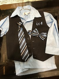 4T suit with tie an bow tie like new