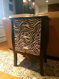 Vanity / side table Lake Barcroft