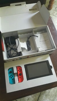 Nintendo Switch with 3 games.. *like new*