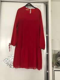 Robe rouge à manches longues et col rond Gonesse, 95500